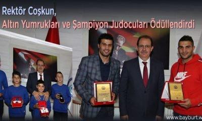 Rektör Coşkun, Altın Yumrukları ve Şampiyon Judocuları Ödüllendirdi