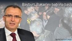 Bayburt, Bakan'ını bağrına bastı
