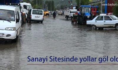 Sanayi Sitesinde yollar göl oldu