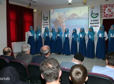 Vali Ustaoğlu, Fetih ve Gençlik Şöleni'ne katıldı