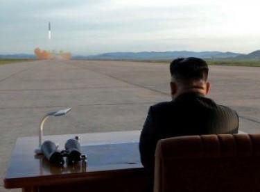 Kuzey Kore: ABD nükleer savaş için yalvarıyor