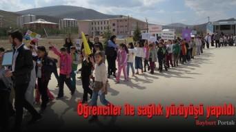 Öğrenciler ile sağlık yürüyüşü yapıldı