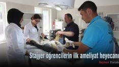 Stajyer öğrencilerin ilk ameliyat heyecanı
