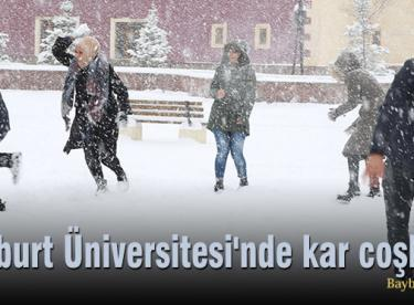 Bayburt Üniversitesi'nde kar coşkusu