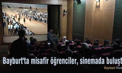 Bayburt'ta misafir öğrenciler, sinemada buluştu